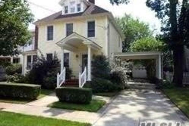 84 Walnut St - 84 Walnut Street, Lynbrook, NY 11563