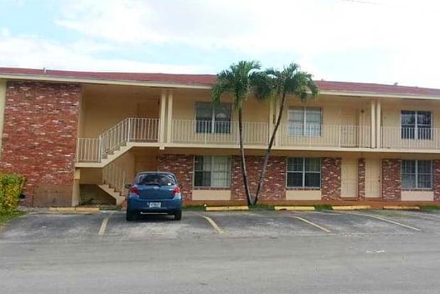 7851 Dunham Av # 11 - 7851 Dunham Boulevard, Miami, FL 33138
