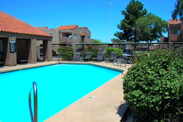 Desert Wind Apartments - 4140 W McDowell Rd, Phoenix, AZ 85009