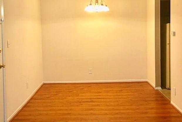 Westlake Apartments - 306 Westlake Cir SW, Bessemer, AL 35020