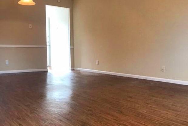 Magnolia Manor - 180 West Texaco Street, West Columbia, TX 77486