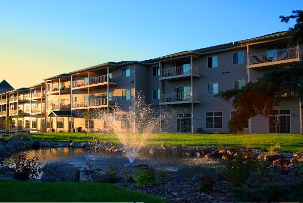 Donegal Pointe Apartments - 5109 S Rolling Green Ave, Sioux Falls, SD 57108