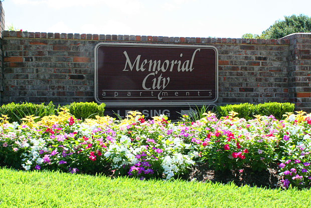 Memorial City - 872 Bettina Ct, Houston, TX 77024