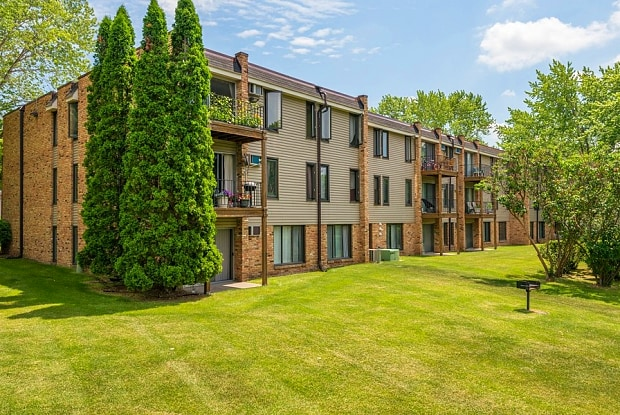 Windsor South Apartments - 2280 Silver Ln, New Brighton, MN 55112