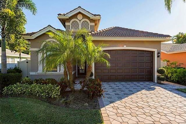 568 93rd AVE N - 568 93rd Avenue North, Naples Park, FL 34108