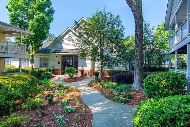 Dunwoody Village Apartment Homes - 2311 Dunwoody Crossing, Atlanta, GA 30338