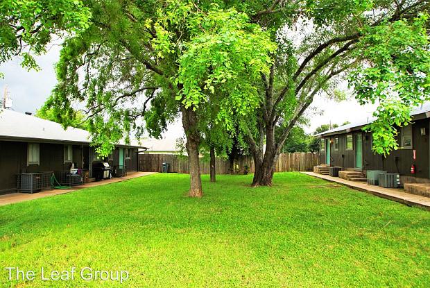 Ektom - 2604 Ektom Dr, Austin, TX 78745