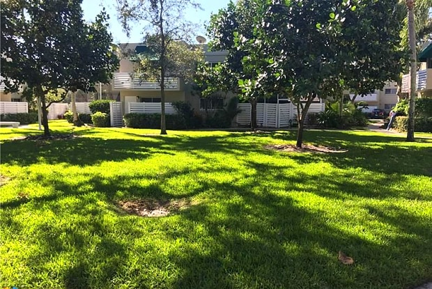 551 NW 97th Ave - 551 Northwest 97th Avenue, Plantation, FL 33324