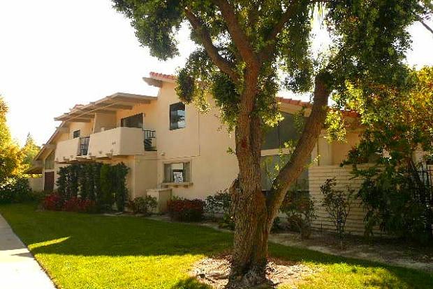 2034 VIA MARIPOSA EAST - 2034 via Mariposa East, Laguna Woods, CA 92637