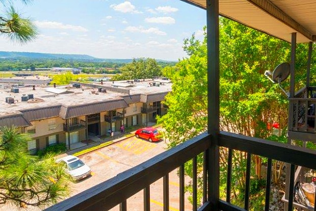 Crestview Apartments - 2700 Temple Crest Dr, Birmingham, AL 35209