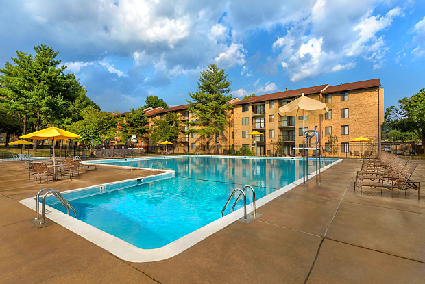 Spring Parc Apartments - 17 Featherwood Court #14, Fairland, MD 20904