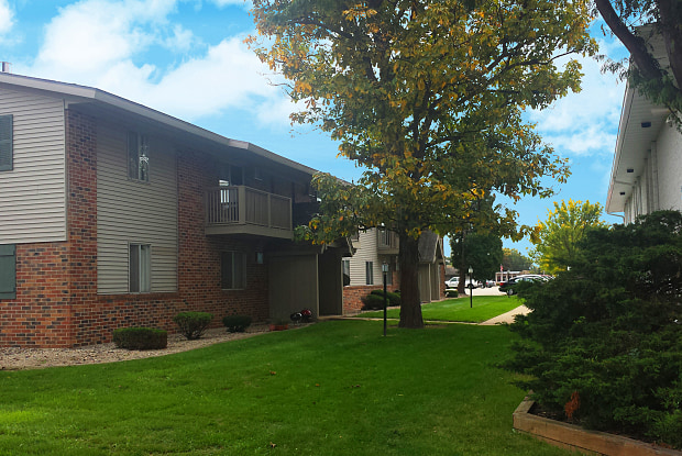 Evergreen Square Apartments - 3030 W Spencer St, Appleton, WI 54914