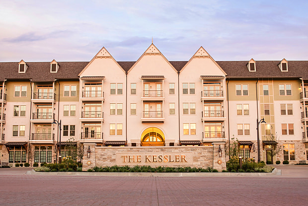 The Kessler Residences - 4851 Meadowbrook Parkway, Prairie Village, KS 66207