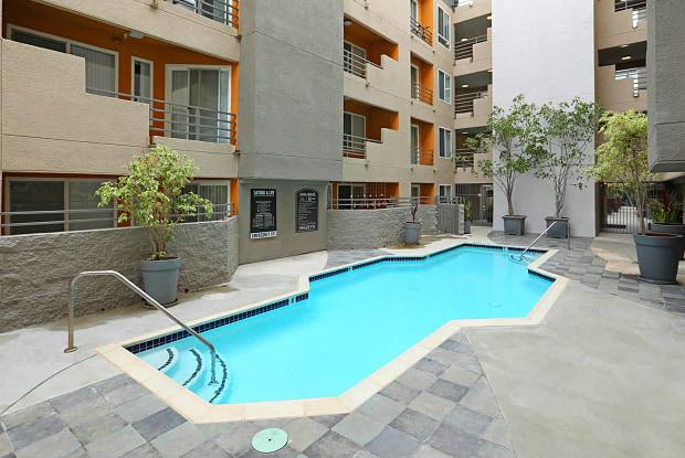 The Vantage - 1710 N Fuller Ave, Los Angeles, CA 90046