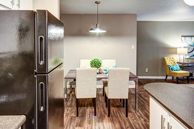 Casa Tierra Apartments & Townhomes - 4949 San Pedro Dr NE, Albuquerque, NM 87109