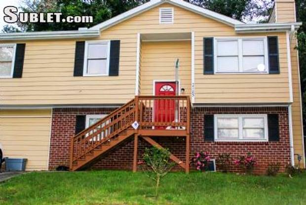 2785 Rockdale Dr - 2785 Rockdale Drive, Gresham Park, GA 30034