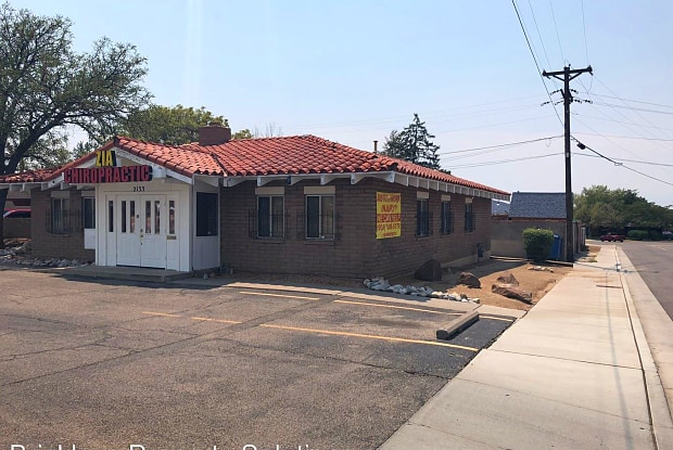2133 Wyoming Blvd NE - Commercial Property - 2133 Wyoming Boulevard Northeast, Albuquerque, NM 87110