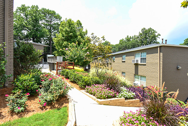 Park at Peachtree Hills - 480 Peachtree Hills Ave NE, Atlanta, GA 30305