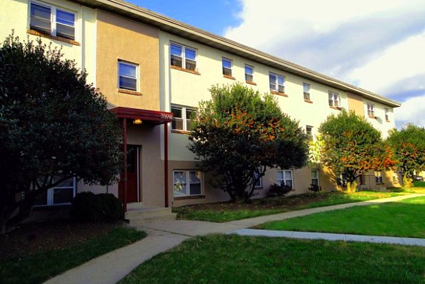Falls Court - 1130 Falls Hill Drive, Baltimore, MD 21211