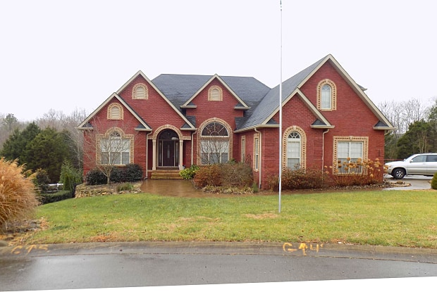306 Dirks Place - 306 Dirks Pl, Clarksville, TN 37043