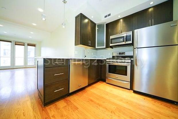 27-40 Hoyt Avenue South - 27-40 Hoyt Avenue South, Queens, NY 11102