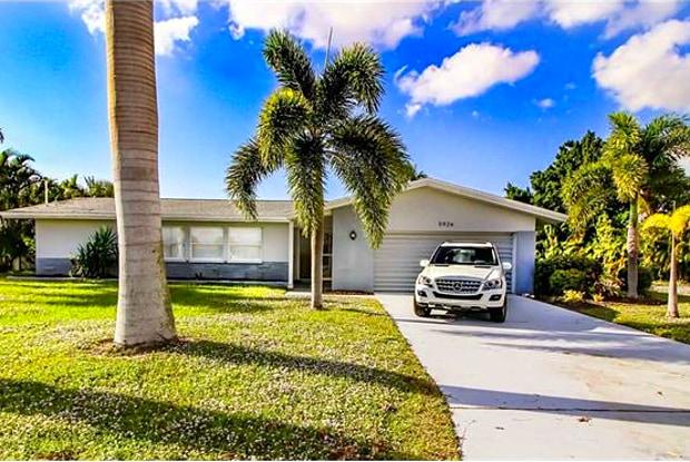 5926 SW 1st AVE - 5926 Southwest 1st Avenue, Cape Coral, FL 33914