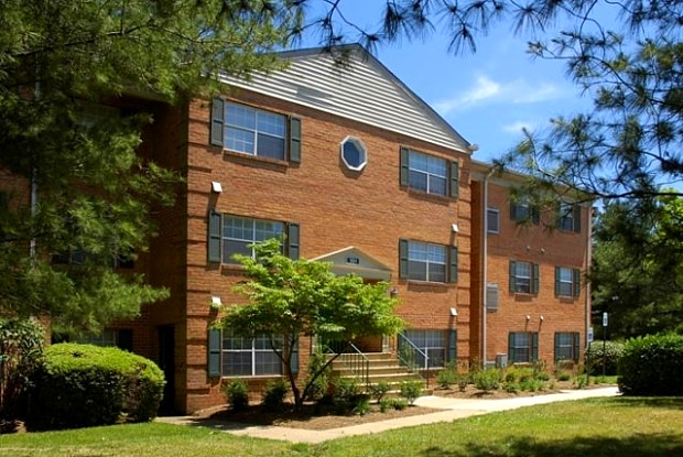 Crofton Village Apartments - 917 Eastham Ct, Crofton, MD 21114
