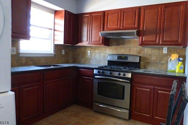 174 GARFIELD AVE - 174 Garfield Avenue, Colonia, NJ 07067