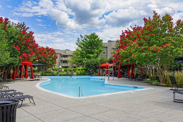 Shenandoah Crossing Apartment Homes - 13300 Blueberry Ln, Fairfax, VA 22033