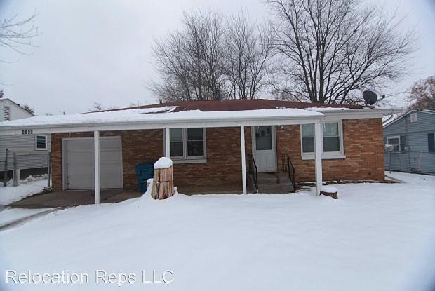 4308 10th St - 4308 10th Street, East Moline, IL 61244