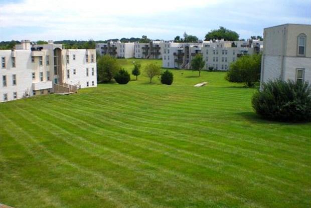 The Flats at Minor Park - 1201 E 116th Ter, Kansas City, MO 64131