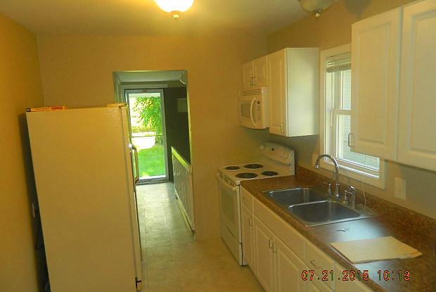2824 Ardmore Ave - 2824 Ardmore Avenue, Royal Oak, MI 48073