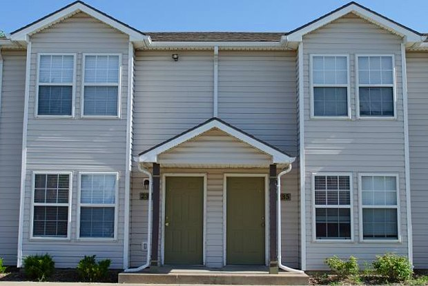 Evergreen Townhomes - 750 E Lincoln Lane, Gardner, KS 66030