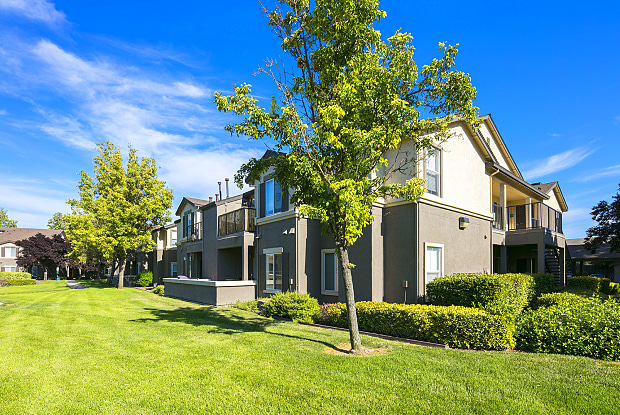 Somerfield at Lakeside - 9444 Harbour Point Dr, Elk Grove, CA 95758