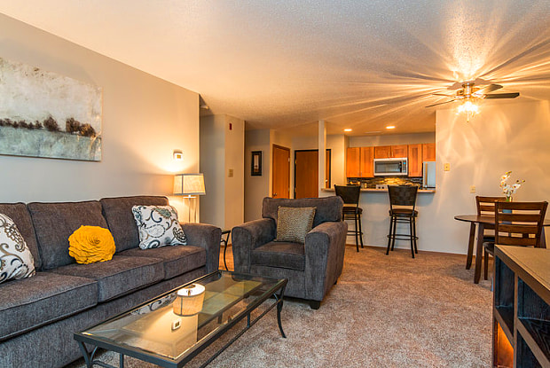 Oxbow Park Apartments - 4709 S Oxbow Ave, Sioux Falls, SD 57106