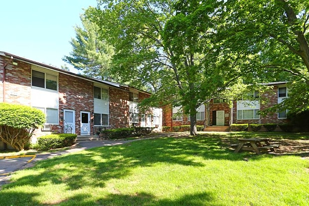 Brookside Gardens - 737 West Main Street, Meriden, CT 06451
