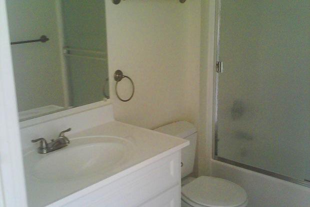 Anza Manor - 322 S Anza St, El Cajon, CA 92020