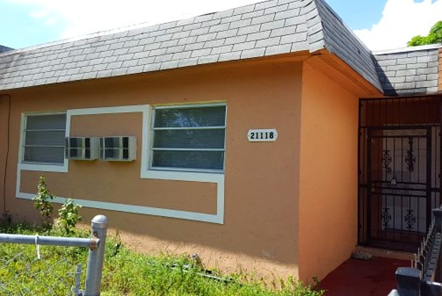 21118 NW 39 Ave - 21118 NW 39th Ave, Miami Gardens, FL 33055
