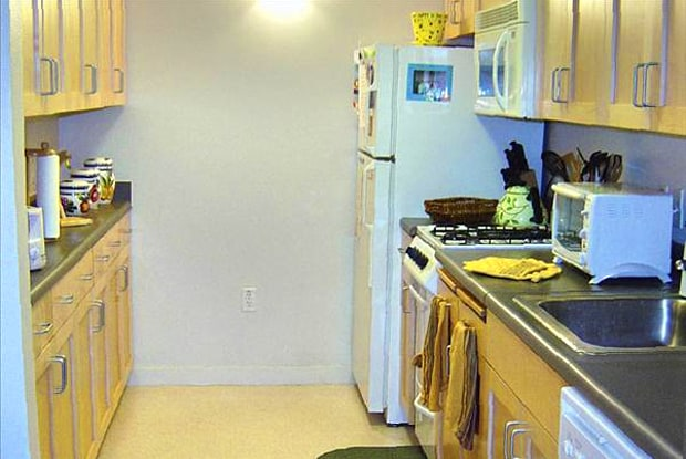 Berkeley Apartments - Acton Courtyard - 1370 University Ave, Berkeley, CA 94702