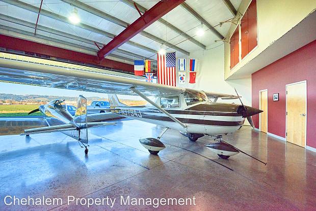 2803 E. Ninth St. Hangar 5 - 2803 East 9th Street, Newberg, OR 97132