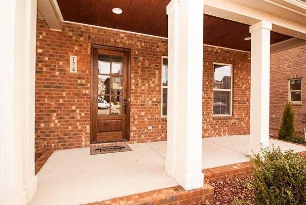 388 Cornelius Way - 388 Cornelius Way, Hendersonville, TN 37075