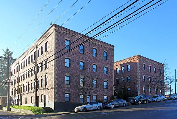 Landmark Court - 818 S 11th St, Tacoma, WA 98405
