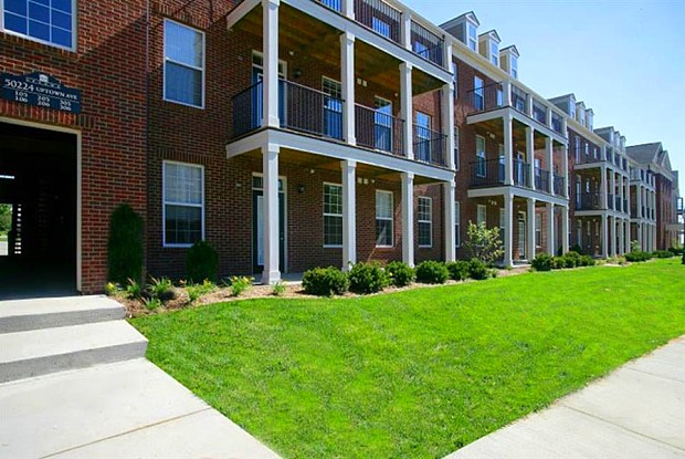 Uptown Apartments - 49975 Roanoke Ave, Plymouth, MI 48187