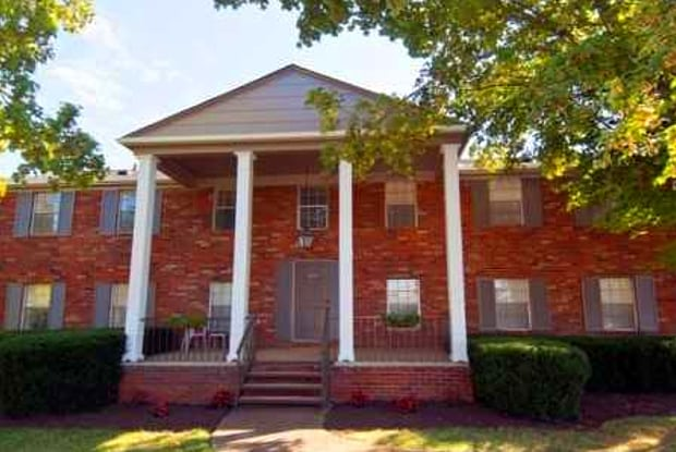 Windsor Court - 614 Cedar Ln, Knoxville, TN 37912