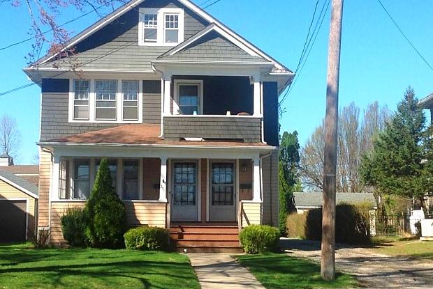 257 Hartford Avenue - 257 Hartford Avenue, Wethersfield, CT 06109