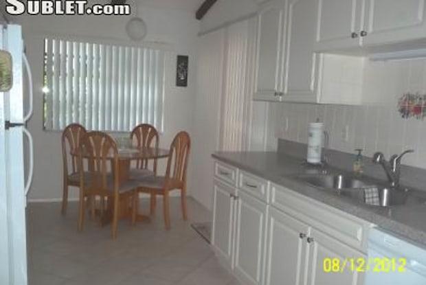 3514 Se Sandpiper Circle - 3514 SE Sandpiper Cir, Port St. Lucie, FL 34952