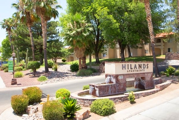 Hilands Apartment Homes - 5755 E River Rd, Catalina Foothills, AZ 85750