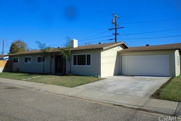 1029 W Sycamore Avenue - 1029 West Sycamore Avenue, Orange, CA 92868