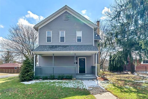 701 5TH STREET - 701 5th Street, Patterson Heights, PA 15010