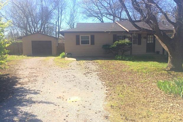 111 N. Florene Street - 111 North Florene Street, Fayetteville, AR 72704